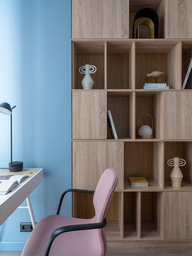 Вся мебель изготовлена на заказ по чертежам дизайнеров.
