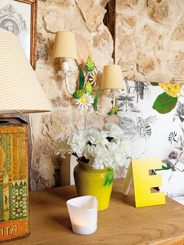 Фотография: Декор в стиле Прованс и Кантри, Декор интерьера, Дом, Аксессуары, Красный – фото на InMyRoom.ru