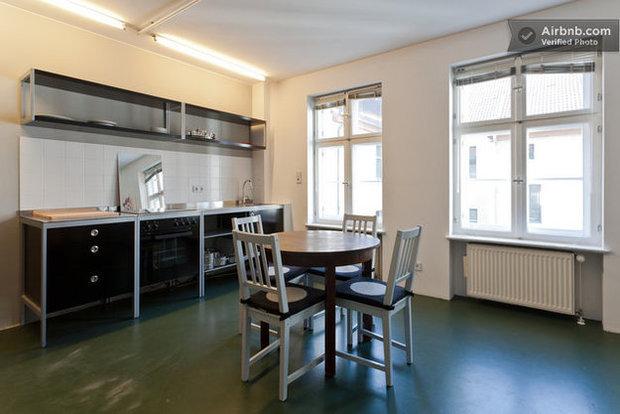 Фотография: Кухня и столовая в стиле Прованс и Кантри, Декор интерьера, Квартира, Дома и квартиры, Airbnb – фото на InMyRoom.ru