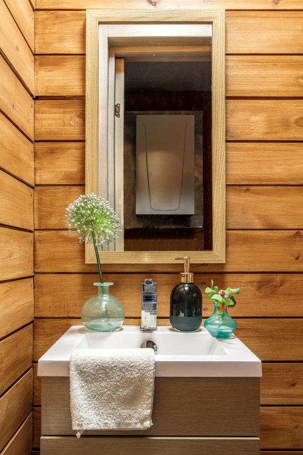 Фотография: Ванная в стиле Эко, Гид, Belinka, как покрасить дачу, дачные домики – фото на INMYROOM