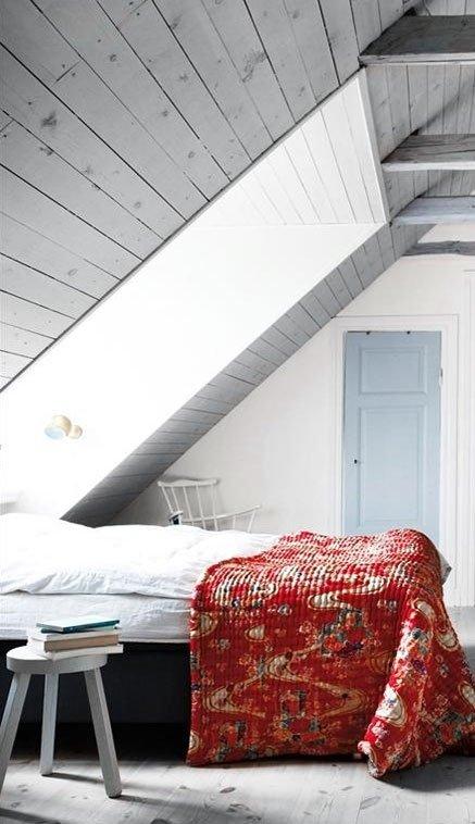 Фотография: Спальня в стиле Прованс и Кантри, Скандинавский, Современный, Чердак, Мансарда – фото на InMyRoom.ru
