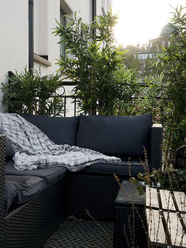 Фотография: Балкон в стиле Современный, Декор интерьера, Квартира, Швеция, Черный, 2 комнаты – фото на InMyRoom.ru