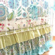 Фотография: Спальня в стиле Кантри, Современный, Декор интерьера, Текстиль, Подушки, Шторы – фото на InMyRoom.ru