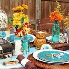 Фотография: Декор в стиле Кантри, Современный, Цвет в интерьере, Стол, Сервировка стола, Оранжевый, Бирюзовый – фото на InMyRoom.ru