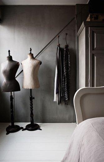 Фотография: Гардеробная в стиле Лофт, Дом, Цвет в интерьере, Дома и квартиры, Серый – фото на InMyRoom.ru