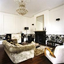 Фотография: Гостиная в стиле Классический, Современный, Декор интерьера, Великобритания, Мебель и свет, Диван – фото на InMyRoom.ru