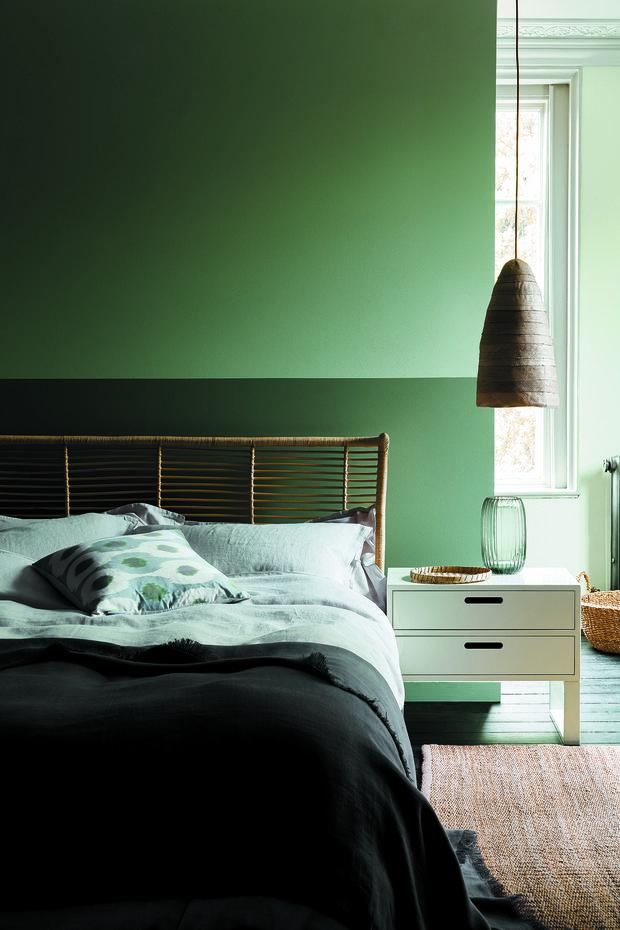 Фотография: Спальня в стиле Эко, Цвет в интерьере, Краски, Интервью, цветовая гамма интерьера, Как выбрать цвет краски для стен, Little Greenе, Дэвид Моттерсхед – фото на INMYROOM