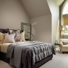Фотография: Спальня в стиле Скандинавский, Эклектика, Дом, США, Дизайн интерьера, Неон – фото на InMyRoom.ru