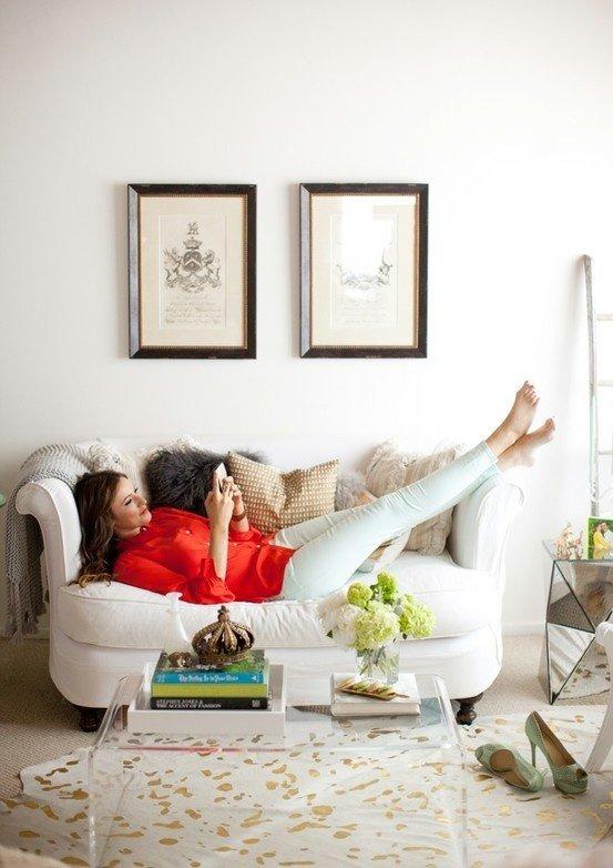 Фотография: Кабинет в стиле , Гостиная, Декор интерьера, Малогабаритная квартира, Квартира, Интерьер комнат, Декор, Мебель и свет, Советы, дизайн гостиной, идеи для гостиной, маленькая гостиная, как увеличить маленькую гостиную, идеи для маленькой гостиной, мебель для маленькой гостиной, планировка маленькой гостиной – фото на InMyRoom.ru