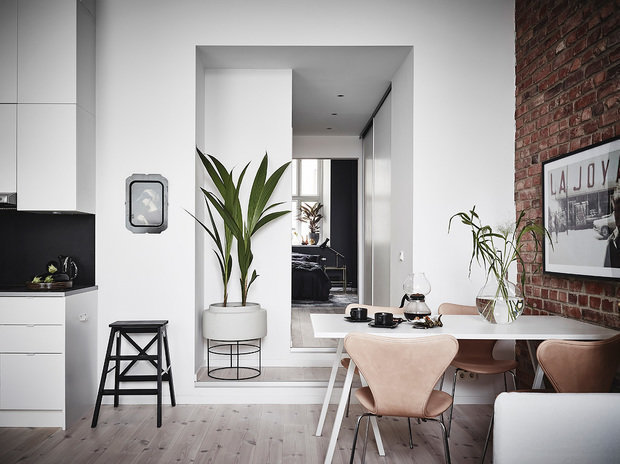 Фотография: Кухня и столовая в стиле Скандинавский, Декор интерьера, Квартира, 2 комнаты – фото на INMYROOM