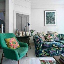 Фото из портфолио Диван с цветочным принтом в современном интерьере – фотографии дизайна интерьеров на INMYROOM