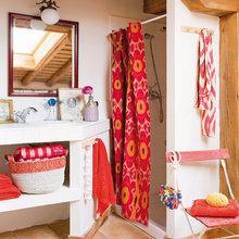 Фотография: Ванная в стиле Кантри, Декор интерьера, Дом, Аксессуары, Красный – фото на InMyRoom.ru