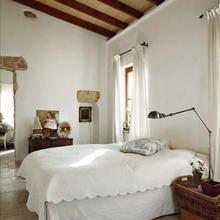 Фотография: Спальня в стиле Кантри, Лофт, Декор интерьера, Декор дома, Стены – фото на InMyRoom.ru
