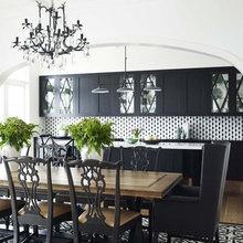 Фотография: Кухня и столовая в стиле Классический, Декор интерьера, Декор дома, Цвет в интерьере, Ковер, Геометрия в интерьере – фото на InMyRoom.ru