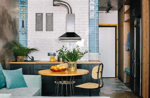 Фотография: Кухня и столовая в стиле Лофт, Советы, Стеновые панели, хранение вещей, хранение вещей в маленькой квартире, однокомнатная квартира, однушка, 1 комната, Kronospan – фото на INMYROOM