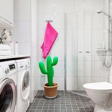 Фотография: Ванная в стиле Современный, Скандинавский, Малогабаритная квартира, Квартира, Цвет в интерьере, Дома и квартиры – фото на InMyRoom.ru
