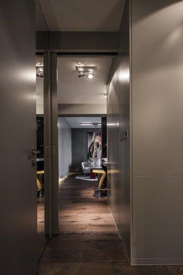 Фотография: Прихожая в стиле Современный, Малогабаритная квартира, Квартира, Цвет в интерьере, Дома и квартиры, Серый, Умный дом, Будапешт – фото на InMyRoom.ru