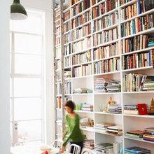 Фотография: Кухня и столовая в стиле Скандинавский, Современный, Системы хранения, Библиотека, Домашняя библиотека – фото на InMyRoom.ru