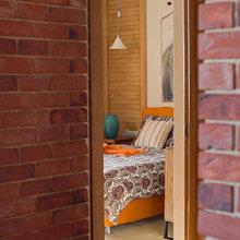 Фотография: Спальня в стиле Кантри, Лофт, Декор интерьера, Квартира, Дома и квартиры, Илья Хомяков, Стена – фото на InMyRoom.ru