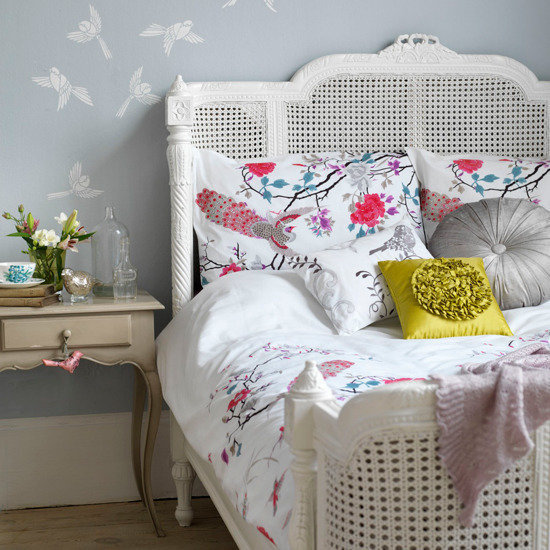 Фотография: Спальня в стиле , Декор интерьера, Дизайн интерьера, Цвет в интерьере, Серый – фото на InMyRoom.ru