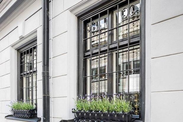Фотография: Флористика в стиле Современный, Кухня и столовая, Гостиная, Декор интерьера, Квартира, Швеция, Белый, Черный, Стокгольм, 2 комнаты, до 40 метров – фото на INMYROOM