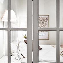 Фотография: Спальня в стиле Классический, Скандинавский, Современный, Малогабаритная квартира, Квартира, Швеция, Цвет в интерьере, Дома и квартиры, Белый, Гетеборг – фото на InMyRoom.ru