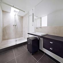 Фотография: Ванная в стиле Современный, Квартира, Франция, Мебель и свет, Дома и квартиры, Париж – фото на InMyRoom.ru