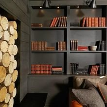 Фотография: Кабинет в стиле Кантри, Декор интерьера, Декор, Домашняя библиотека, как разместить книги в интерьере, книги в интерьере – фото на InMyRoom.ru