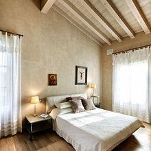 Фотография: Спальня в стиле Кантри, Дом, Дома и квартиры, Прованс, Стены, Балки – фото на InMyRoom.ru