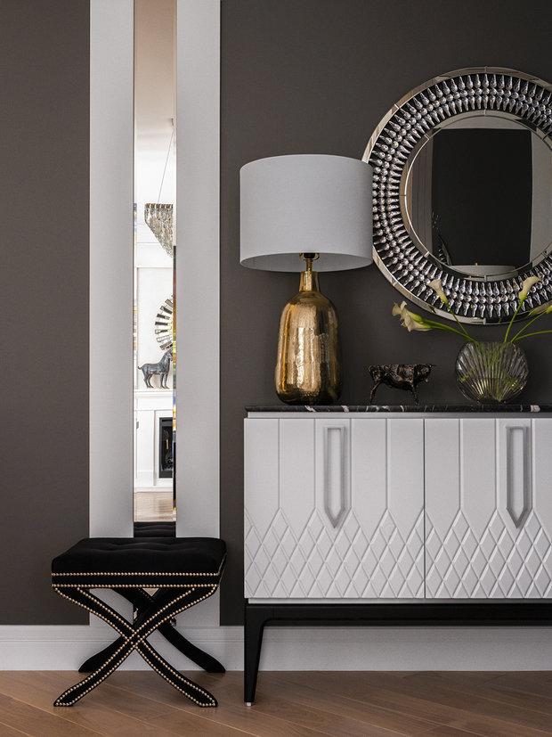 Фото из портфолио Квартира в ЖК Лобачевский для девушки с обилием зеркал и стеклянных поверхностей – фотографии дизайна интерьеров на INMYROOM
