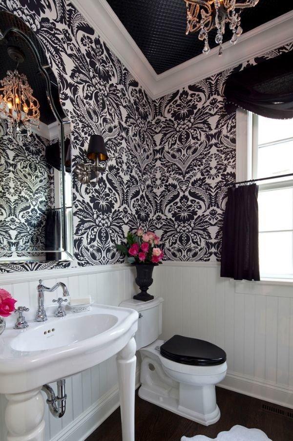 Фотография: Ванная в стиле Прованс и Кантри, Декор интерьера, Дизайн интерьера, Цвет в интерьере, Потолок – фото на InMyRoom.ru