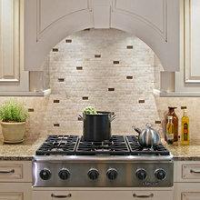 Фотография: Кухня и столовая в стиле Классический, Декор интерьера, Интерьер комнат, Плитка – фото на InMyRoom.ru