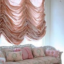 Фотография: Гостиная в стиле Классический, Современный, Декор интерьера, Текстиль, Подушки, Шторы – фото на InMyRoom.ru