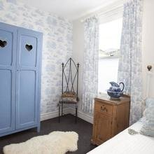 Фотография: Спальня в стиле Кантри, Декор интерьера, Декор дома, Цвет в интерьере, Белый, Ретро, Шебби-шик – фото на InMyRoom.ru
