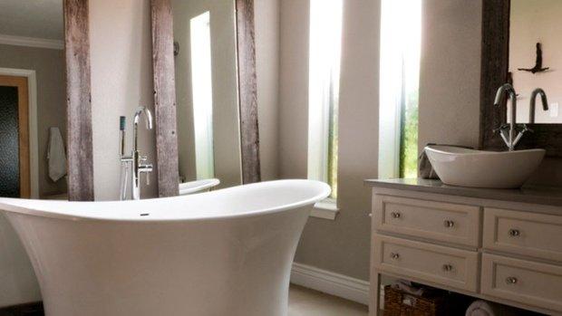 Фотография: Ванная в стиле Прованс и Кантри, DIY, Дом, Цвет в интерьере, Дома и квартиры, Белый – фото на InMyRoom.ru