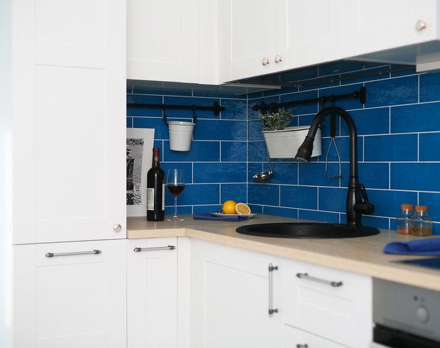 Фотография: Кухня и столовая в стиле Скандинавский, Ванная, Прихожая, Спальня, Балкон, Проект недели, Желтый, Синий, Голубой, 1 комната, до 40 метров, ПРЕМИЯ INMYROOM – фото на INMYROOM