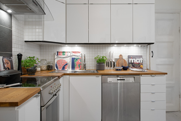 Фотография: Кухня и столовая в стиле Скандинавский, Малогабаритная квартира, Квартира, Швеция, Дома и квартиры, Гетеборг – фото на InMyRoom.ru