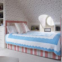 Фотография: Спальня в стиле Кантри, Дом, Чердак, Мансарда – фото на InMyRoom.ru