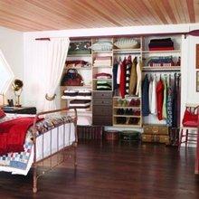 Фотография: Спальня в стиле Кантри, Современный, Гардеробная, Малогабаритная квартира, Хранение, Интерьер комнат, Гардероб – фото на InMyRoom.ru