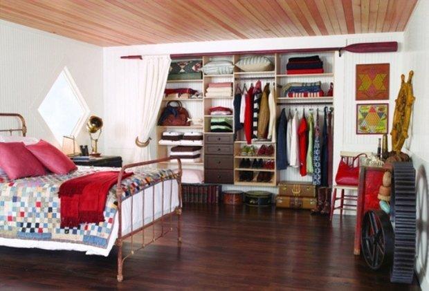 Фотография: Спальня в стиле Прованс и Кантри, Современный, Гардеробная, Малогабаритная квартира, Хранение, Интерьер комнат, Гардероб – фото на InMyRoom.ru