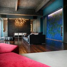 Фотография: Гостиная в стиле Лофт, Квартира, Цвет в интерьере, Дома и квартиры, Черный, Красный – фото на InMyRoom.ru
