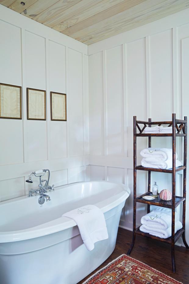 Фотография: Ванная в стиле Прованс и Кантри, Дом, США, Дом и дача, Более 90 метров – фото на INMYROOM