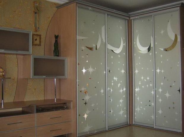 Фотография:  в стиле , Прихожая, Детская, Спальня, Декор интерьера, Малогабаритная квартира, Квартира, Студия, Дом, Планировки, Маленькая спальня – фото на InMyRoom.ru