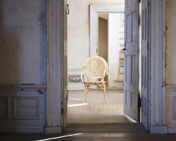 Фотография: Спальня в стиле Прованс и Кантри, Индустрия, Новости, IKEA, Ткани, Кресло, Ваза, Стулья, Постеры, Принты, Плетеная мебель – фото на InMyRoom.ru