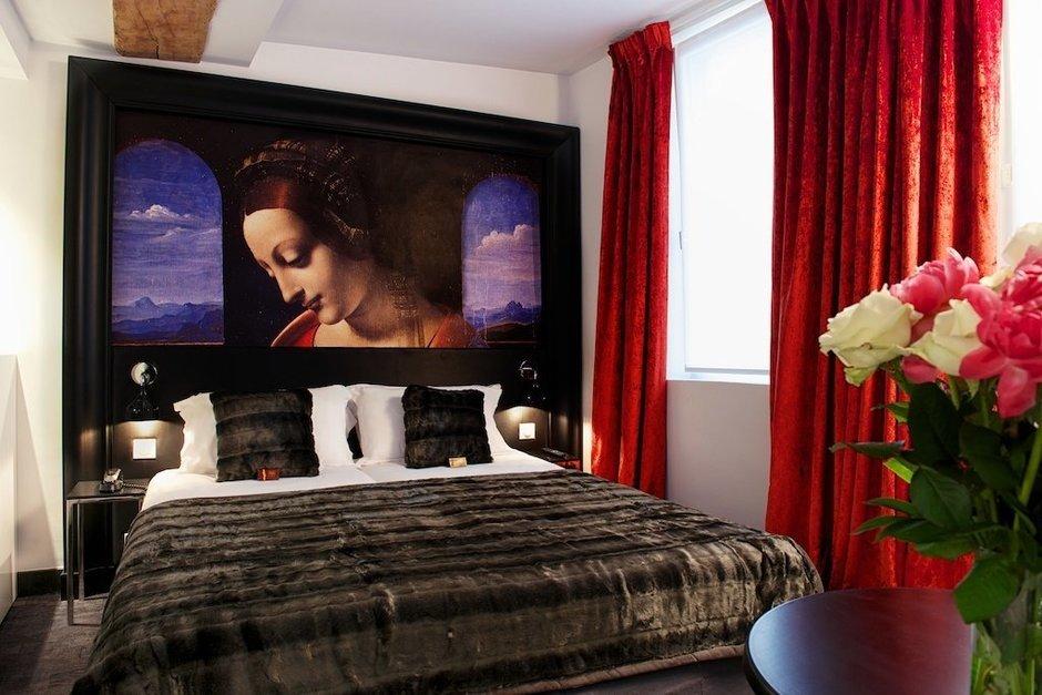 Фотография: Спальня в стиле Современный, Декор интерьера, Дома и квартиры, Городские места, Отель, Проект недели, Картины, Украшения – фото на InMyRoom.ru
