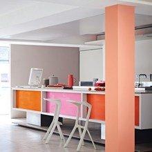 Фотография: Кухня и столовая в стиле Современный, Декор интерьера, Дизайн интерьера, Цвет в интерьере, Желтый, Розовый, Оранжевый, Неон – фото на InMyRoom.ru