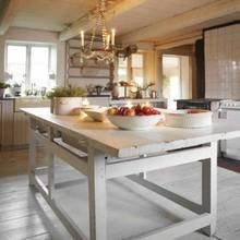 Фотография: Кухня и столовая в стиле Кантри, Дом, Швеция, Антиквариат, Дома и квартиры – фото на InMyRoom.ru