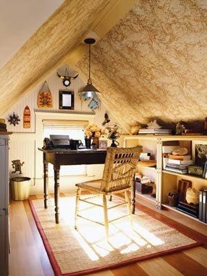 Фотография: Кабинет в стиле Прованс и Кантри, Эклектика, Интерьер комнат, Мансарда – фото на INMYROOM