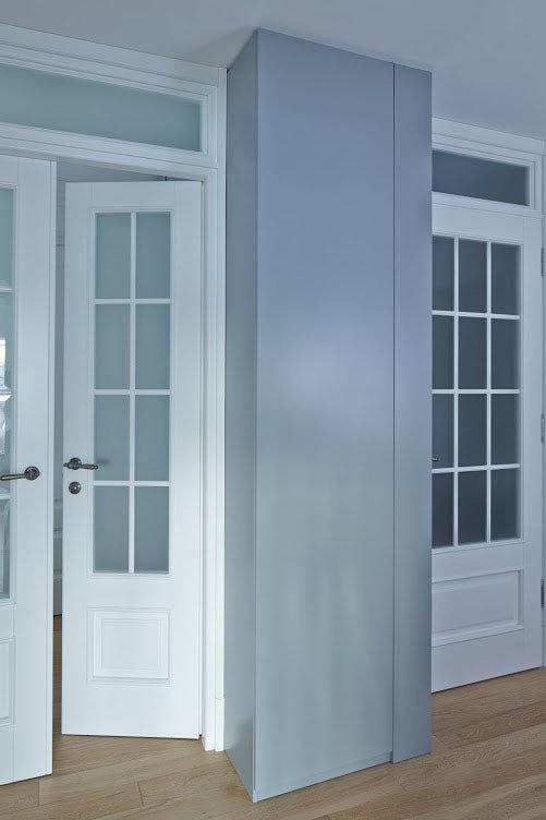 Фотография: Прихожая в стиле Современный, Скандинавский, Квартира, Цвет в интерьере, Дома и квартиры, Перепланировка, Серый – фото на InMyRoom.ru
