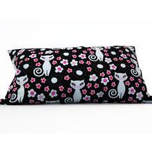 Декоративная подушка: Кошки в темноте